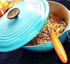 En kan-inte-sluta-äta gryta! Servera grytan som den är eller med blomkålsris för lchf- eller lowcarb, alternativt med ris eller kokt potatis.