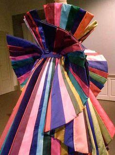 Roberto Capucci - Haute Couture - Robe de Soirée 'Sculpture' - Arc en Ciel