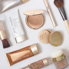 If you're looking to make lifestyle changes in 2017, start with your makeup. Learn more about the jane iredale difference.
