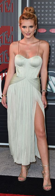 Bella Thorne at the 2015 MTV Music Awards. Dress by Maria Lucia Hohan.  MTV Music Awards 2015