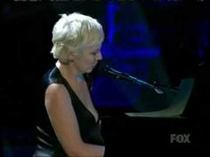 Annie Lennox Bridge Over Troubled Water Live on American Idol Gives Back 2007 - YouTube