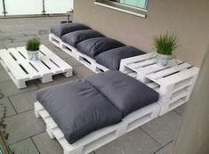 New Cheap Patio Furniture Pallet Lounge Ideas Cheap Patio Furniture, Patio Furniture Cushions, Couch Furniture, Furniture Decor, Furniture Layout, Rustic Furniture, Furniture Makeover, Antique Furniture, Playroom Furniture