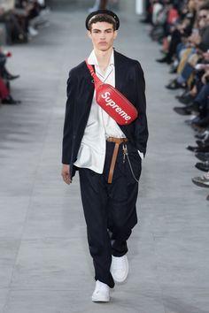 Louis Vuitton | Menswear - Autumn 2017 | Look 1