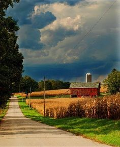 country roads usa | Uploaded to Pinterest