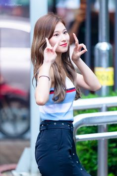 Sana-Twice 180629 KBS Music Bank