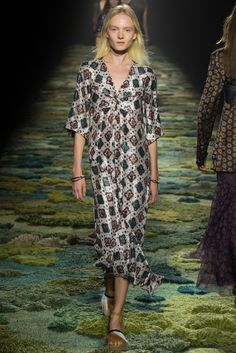 Dries Van Noten, Patis. Long gown, beautiful lovers