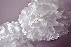 DIY First Communion Party Decoration - Eyelet Tissue Pom Poms (Tutorial)