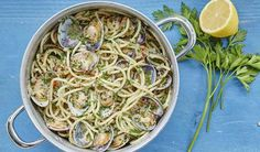 Nadiya Hussain's Avocado Pasta with Peas & Mint Recipe Beef Fillet Recipes, Creamy Avocado Pasta, Pasta With Peas, Mint Recipes, Party Dishes, Mary Berry, The Fresh, Quick Meals, Berries