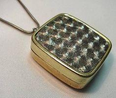 music box necklace - me encantaria tenerlo