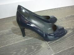 STUART WEITZMAN For RUSSELL /& BROMLEY Nude Patent High Heel Court Shoe US 6 UK 4