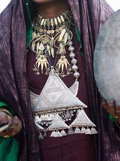Now *this* is layering! Tuareg woman's traditional jewellery set, north Africa.
