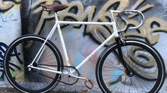 Vélo de course Mercier blanc transformé en singlespeed | Fixie Singlespeed, infos vélo fixie, pignon fixe, singlespeed.