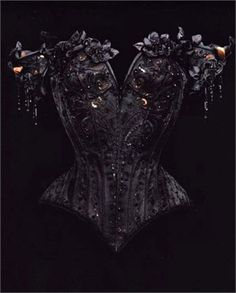 A hauntingly beautiful Mr Pearl Corset. I love this!