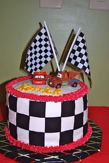 Cars birthday party potentially easy 2 Birthday Cake, Sons Birthday, Birthday Ideas, Car Themed Parties, Cars Birthday Parties, Disney Cars Party, Car Party, Party Time, A Table