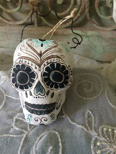 DAY OF THE DEAD SKULL WHITE AND BLACK PAPER MACHE INKED SKULL TREAT BUCKET