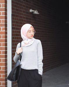 "29.8k Likes, 98 Comments - Gita Savitri Devi (@gitasav) on Instagram: ""Sweater weather ⛅️ Daily sweater from @gonegani"""