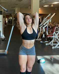 Strong Women, Fit Women, Yoga Kunst, Harey Quinn, Human Poses, Muscular Women, Muscle Girls, Female Poses, Female Athletes