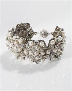 Swarovski crystal and fresh water pearl bracelet