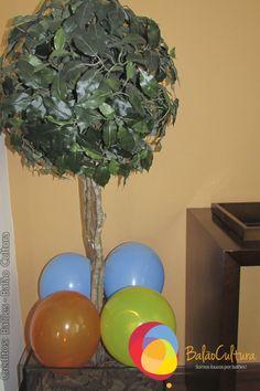 Acabamento com balões.  Créditos: Balões e filme: Balão Cultura  Gostou? Contate-nos: www.balaocultura.com.br Telefones: 11 50816916 ou 39049892  #arranjodemesa #decoraçãodeovelhinha #decoraçãodeovelha #decoraçãodeovelhanobalao #balaodecoracao #qualatex #decoraçãodiferente #decoraçãocriativa #encontraideias #mamaefesteira #balaocultura