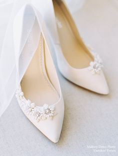 Apr 2020 - The most beautiful ivory wedding pumps you can find with stunning floral shaped beading and elegant pearls on the side. Wear this for your garden, outdoor, destination wedding. Ivory Wedding, Wedding Day, Destination Wedding, Floral Wedding, Purple Wedding, Wedding Shoes Ivory, Wedding Bouquet, Summer Wedding, Outdoor Wedding Shoes