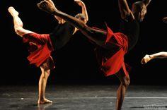 Pulga Muchochoma and Brodie Stevenson of Toronto Dance Theatr [Canada]. Photo by Guntar Kravis