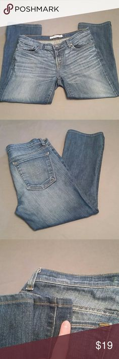 J Brand Jeans Awesome pair of J Brand crop jeans. Size 29 with a 23 inch inseam. In great condition except for one tiny blemish as seen in photo 3 and represented in price. From a pet / smoke free home. J Brand Jeans Ankle & Cropped