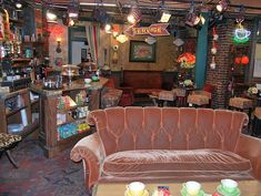 "* Set of ""Central Perk"" * # Friends #"