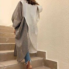 Street Hijab Fashion, Abaya Fashion, Muslim Fashion, Modest Fashion, Fashion Dresses, Mode Abaya, Iranian Women Fashion, Abaya Designs, Oriental Fashion