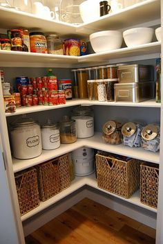 Love the baskets in the pantry.. maybe for chip bags, bread, or even paper plates or napkins!