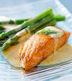 Salmon on asparagus with a delicious mustard-dill sauce- Lachs an Spargel mit leckerer Senf-Dill-Sauce Salmon on asparagus with a delicious mustard-dill sauce - Slow Cooker Recipes, Cooking Recipes, Healthy Recipes, Healthy Foods, Healthy Fit, Diet Foods, Paleo Diet, Healthy Weight, Senf Dill Sauce