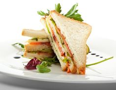 Ricetta club sandwich farcito con salmone e verdure