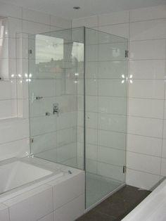 Shower and bath in small bath - interior design examples Bathtubs For Small Bathrooms, Small Bathroom With Shower, Attic Bathroom, Bathroom Design Small, Shower Bathroom, Master Bathrooms, Bath Shower Combination, Bathtub Shower Combo, Shower Tiles