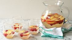 How to make fruity sangria