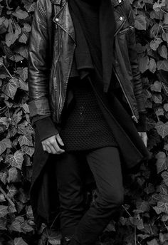 clothes, all black