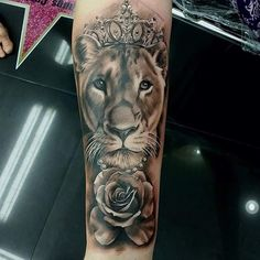 Only the best @celebrity_ink_tattoo_phuket #lioness #lion #liontattoo  #roses #queen #