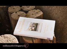 Resenha do livro ¨Vendo casa en barrio alto¨, autora Elizabeth Subercaseaux