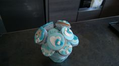 Cupcakes, baby shower, blue, boy, fiori, bimbo, scarpette, nome, name, nascita bimbo, passeggino, body, tutina,composizione fiori, vaso fiori