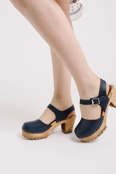 MIA: The Abba Clog in Navy – Piper & Scoot