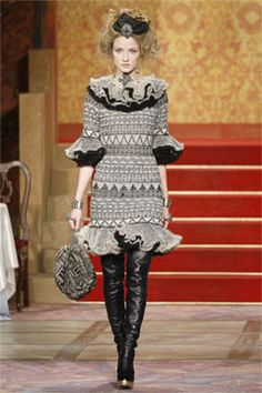 Chanel Pre-Fall 2009 Collection on Style.com: Complete Collection