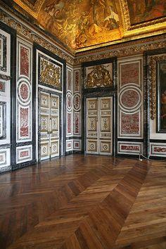 Chateau de Versailles  Detail, King's & Queen's State Apartments - Versailles_03