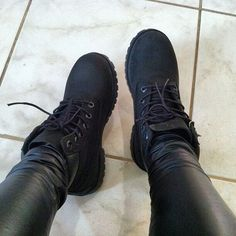 all black Timberlands