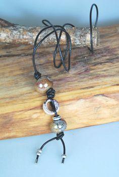 Halskette / Kette    Leder    rot - braun von DaiSign auf DaWanda.com
