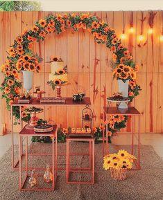 Sunflower Birthday Parties, Sunflower Party, 18th Birthday Party, Birthday Party Decorations, Party Themes, Wedding Decorations, Havanna Party, Diy Wedding Favors, Wedding Souvenir