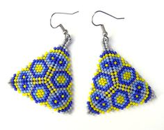 Colorful peyote triangle seed bead earrings in by Anabel27shop,