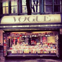 Newspaper kiosk in Italy