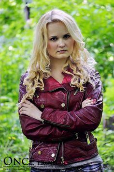 "Emma Swan   Source: <a href=""http://sahramorgan.deviantart.com/art/Emma-Swan-cosplay-303360900"" target=""_blank"">Sarah Morgan</a>, photo by Kseniya Andrianova"