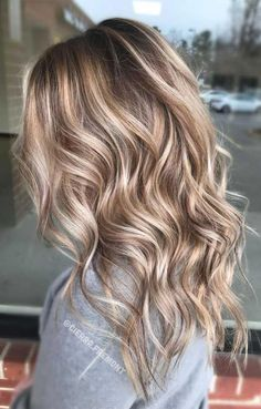 Long Wavy Ash-Brown Balayage - 20 Light Brown Hair Color Ideas for Your New Look - The Trending Hairstyle Hair Color Balayage, Blonde Balayage, Blonde Wig, Blonde Fall Hair Color, Dark Blonde Hair With Highlights, Blonde Ombre, Blonde Brunette, Winter Blonde Hair, Blonde Shades