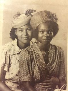 Aunt and Cousin, in Longview, MS 1939 - Vintage African American Photographs by Damion Poe Black History Album . Retro, Flapper, Vintage Black Glamour, American Photo, Black History Facts, African Diaspora, My Black Is Beautiful, Beautiful Lips, African American Women
