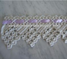 This Pin was discovered by Jud Quick Crochet, Basic Crochet Stitches, Crochet Trim, Filet Crochet, Crochet Motif, Crochet Designs, Crochet Doilies, Crochet Lace, Crochet Patterns