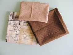 flor de minuto: Tutorial estuche guardahilos Pin Cushions, Patches, Sewing, Diy, Vanity, Couture, Scrappy Quilts, Flower, Home